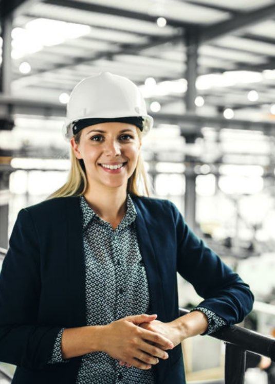 trabajadora sonriendo